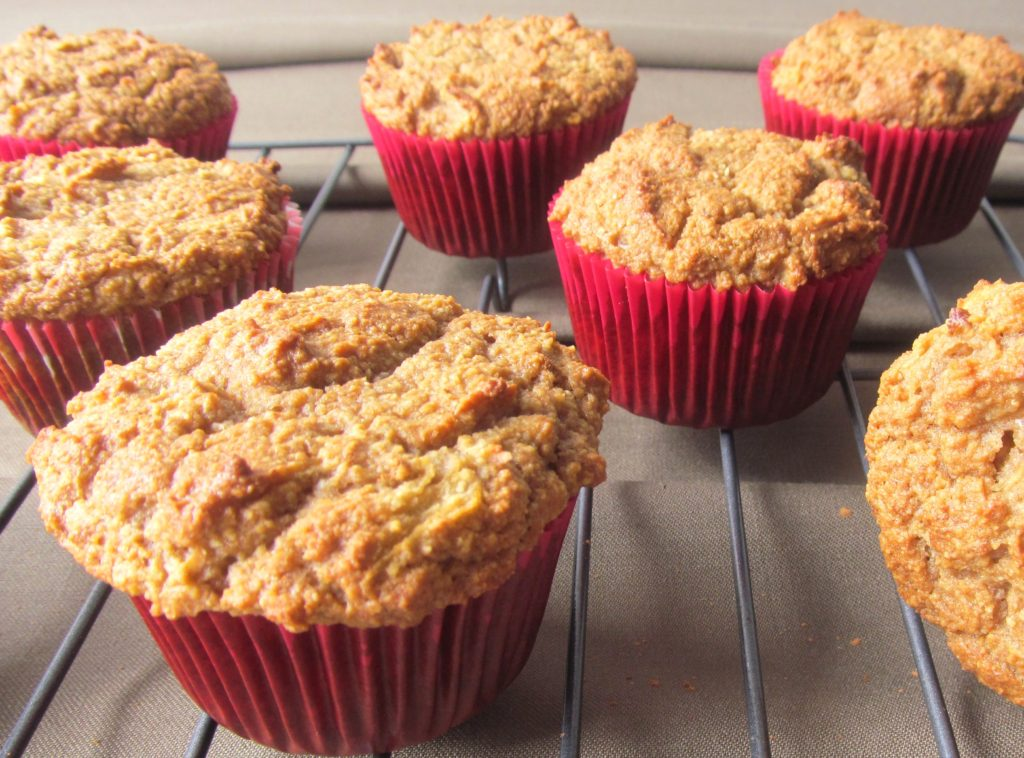 Low-Carb Apple and Cinnamon Muffins
