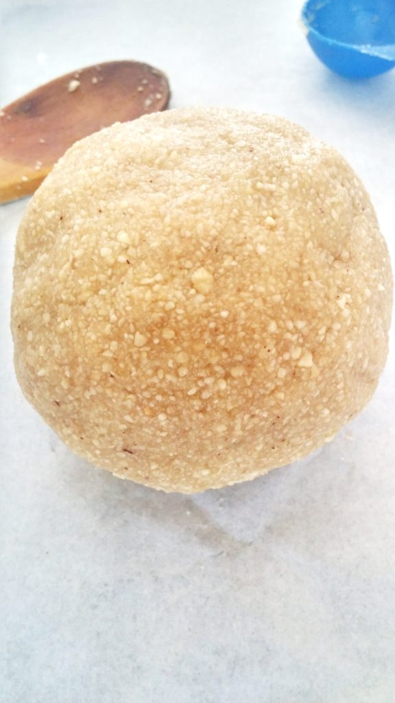 Five ingredients in this dough ball for healthy low-carb crackers www.andthentherewasfood.co.za