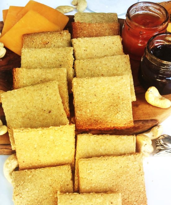 HEALTHY LOW-CARB CRACKERS|www.andthentherewasfood.co.za