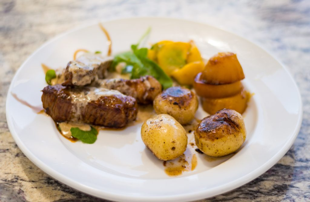 Rump steak and vegetables at Anna Beulah | www.andthentherewasfood.co.za